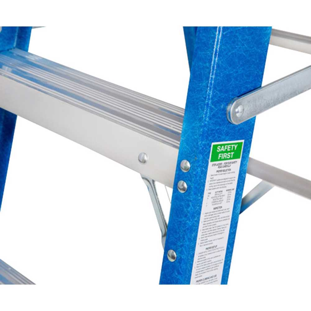 GAZELLE - 3 Ft. Fiberglass Step Ladder for working height up to 7 Ft.