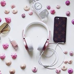 URBANISTA Seattle Wireless On-Ear Headphones Rose Gold