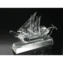 Crystal Traditional Dhow On Clear Crystal Base-17cm