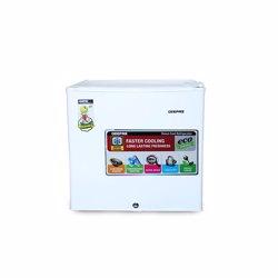 Geepas GRF654WPE Mini Refrigerator
